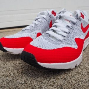 Nike Air Max 1 Ultra Flyknit Womens SZ 8 White Red